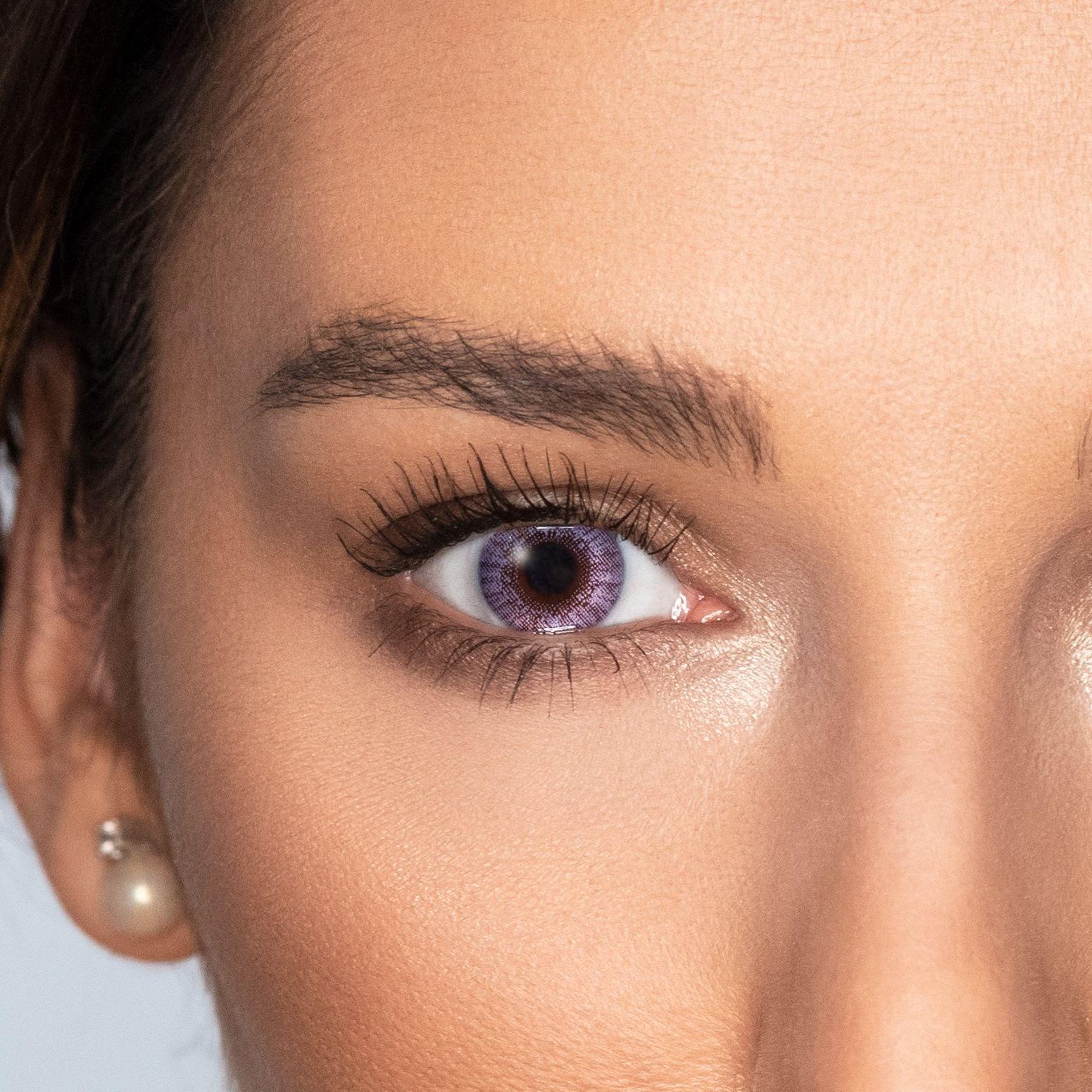 Descoperă lentilele colorate gri FreshLook Colors de laVidet