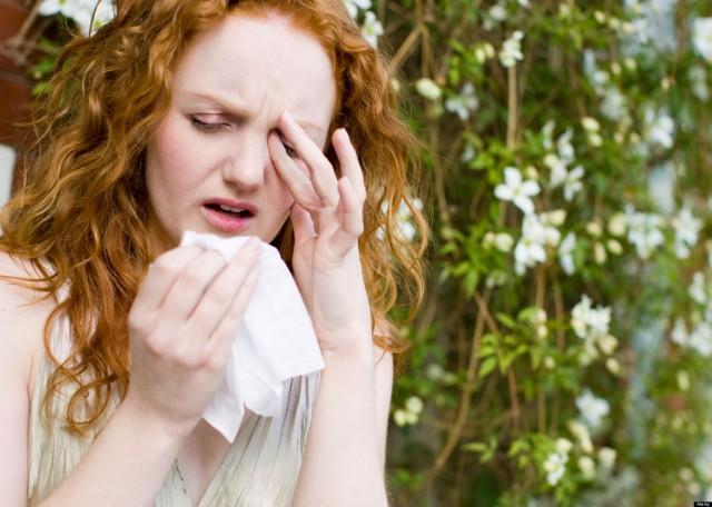 Cum tratăm alergiile oculare de primăvară: remediile simptomelor