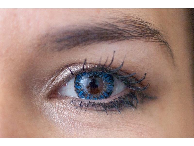 sapphire blue on brown eye