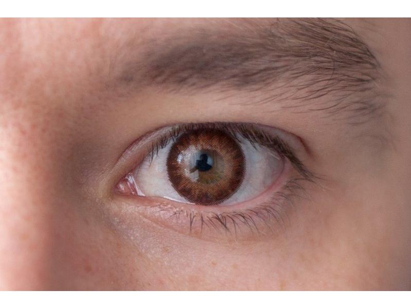 brown on brown eye